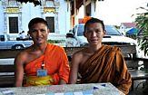 buddhistiska munkar i thailand