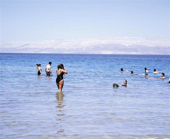 Flyta i Döda Havet