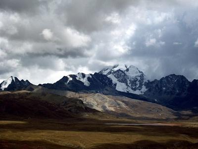 Huayna Potosi - ett populärt berg att bestiga utanför bolivianska staden La Paz
